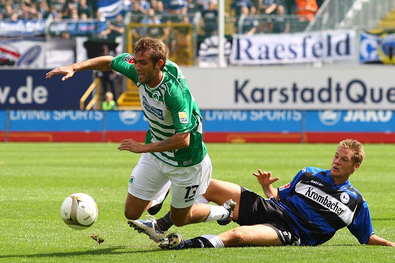 Mirko Hrgovic wird von Kasper Risgard abgegrätscht.