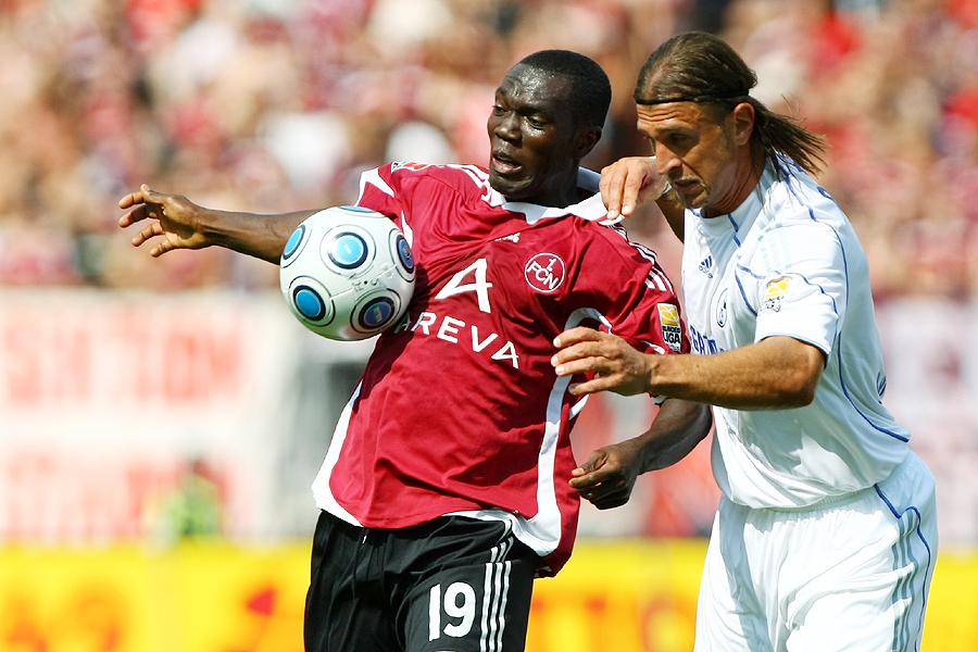 Isaac Boakye gegen Marcelo Bordon