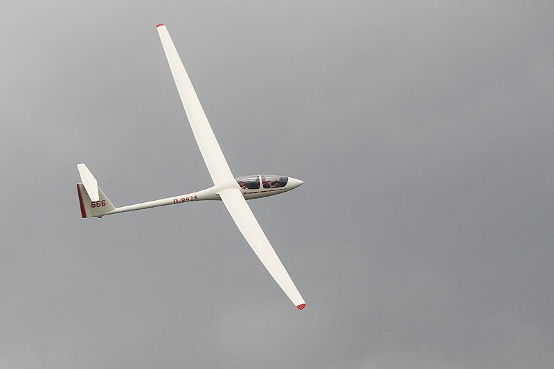 Es war nicht einfach einen weiteren Segelflieger aus dem Cockpit heraus zu fotografieren