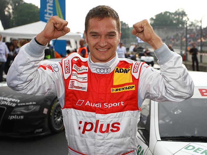 Alter und neuer Champion in der DTM ist Timo Scheider - Glückwunsch!