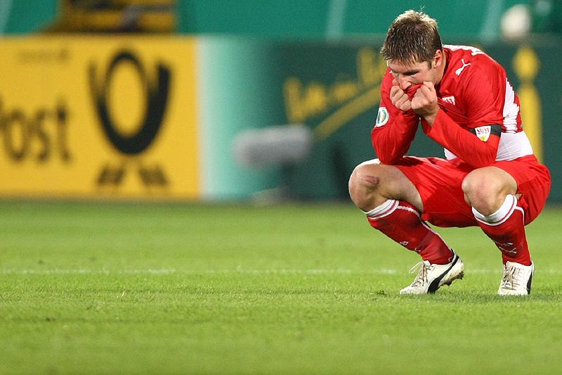 Thomas Hitzlsperger tief enttäuscht nach dem Pokal-Aus für den VfB
