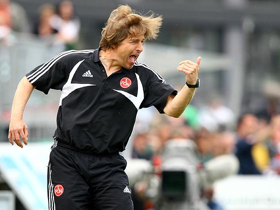 Heute zog man beim Club die Reisleine, indem man Trainer Michael Oenning beurlaubte, der mit seinem Team lediglich 12 Punkte in der Vorrunde geholt hat und nun auf Platz 17 überwintern muss.