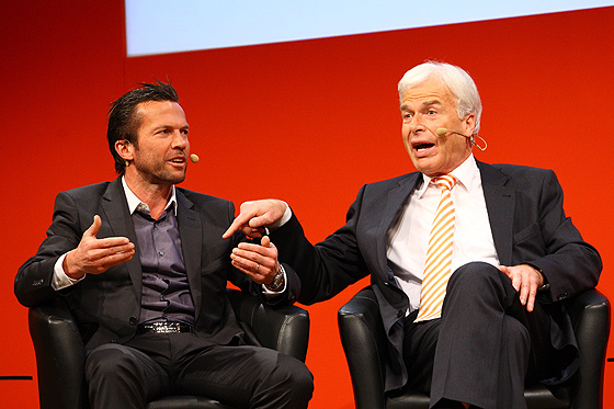Rainer Holzschuh (ex DFB-Pressesprecher) und Lothar Matthäus kennen sich aus früheren Zeiten