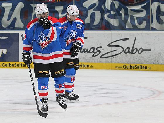 Enttäuschung dagegen bei Stefan Mann (Nürnberg, links) und Fredrik Eriksson (Nürnberg, rechts)