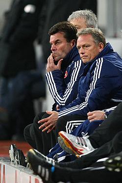 Trainer Dieter Hecking (Nürnberg) wütend.