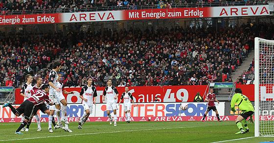 Kurz vor der Pause war es Ilkay Gündogan (Nürnberg), der mit seinem Kopfballtor den Club wieder mit 2:1 in Führung brachte.